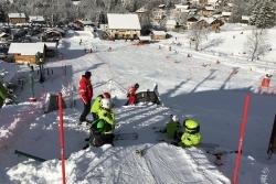 Tremplin de saut à ski l'hiver